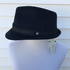 Perry Elis hat size black new with tags